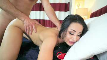 Crystal Rush: Gold Digger Gets a Creampie