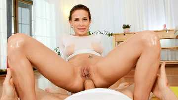 Gorgeous babe Nicole Love uses her tight asshole to ride a thick prick