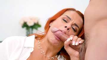 Busty red-haired MILF Juliett Lopez gives masterful blowjob and plays with twat
